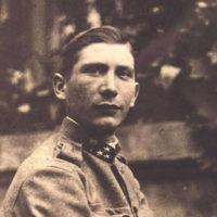 Dragutin Karlo Novak (Zagreb, 16. veljače 1892. - Zagreb, 31. listopada 1978.), prvi hrvatski pilot.